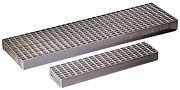 Metal floor grating step